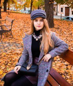 Lektorka Nikol v parku